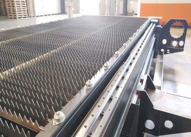 China 2200W CNC Fiber Steel Laser Cutting Machine / System High Reliable Performance factory
